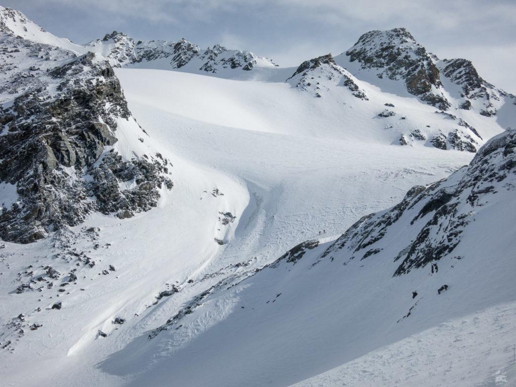 Blick auf die verbliebene Gletscherzunge am Col de Thorens. Wie viel Eis mag hier abgeschmolzen sein seit den Anfängen? 40-50 m Dicke sind es sicherlich.