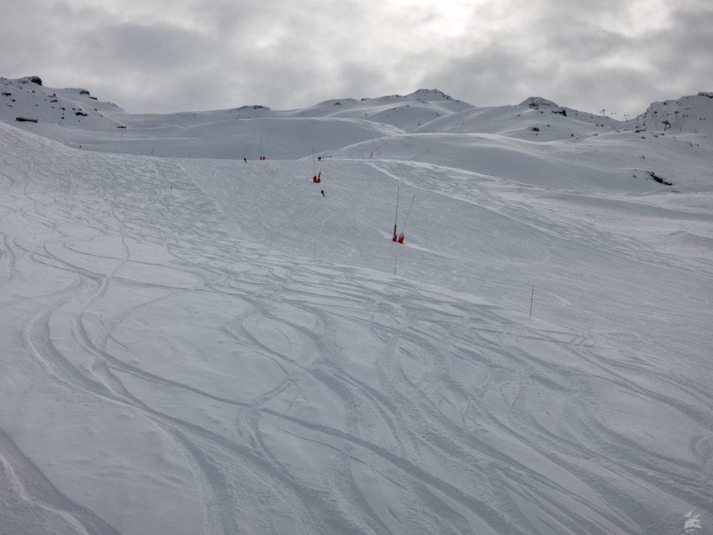 Der dämliche Snowpark an der Becca-Piste ist weg, die Piste wieder breit präpariert. Und noch keiner da.