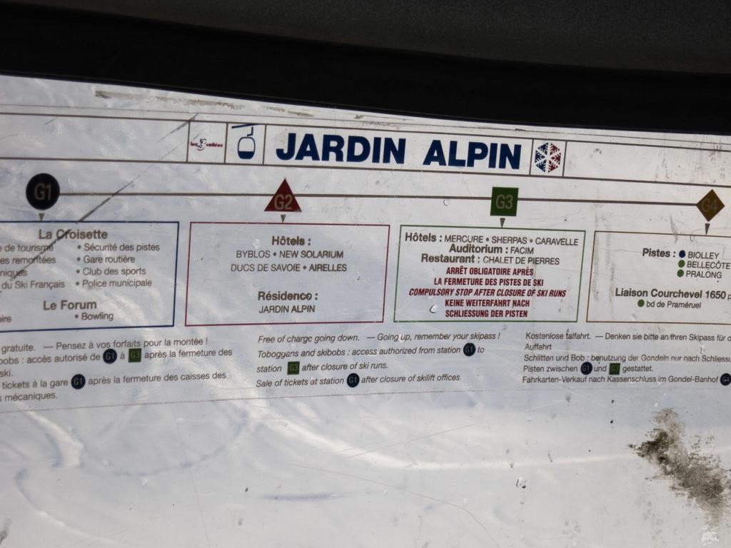 Das ist nicht Jardin Alpin, sondern Plattières 3. Offenbar hat man alte Gondeln aus Courchevel hier her verfrachtet.