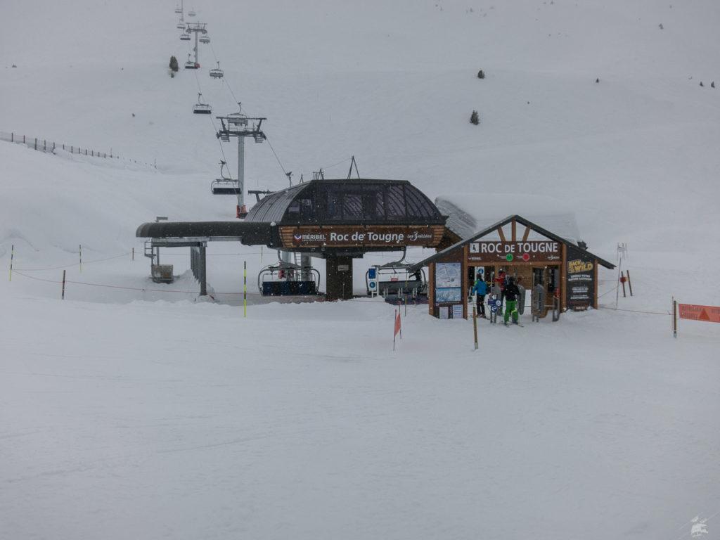 Neue Sesselbahn Roc de Tougne, es schneit. Der Bereich kam ein bisschen zu kurz in dieser Woche.